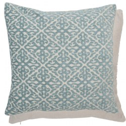 Cuscino shabby ricamato in azzurro