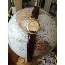 Elegante orologio da polso color oro